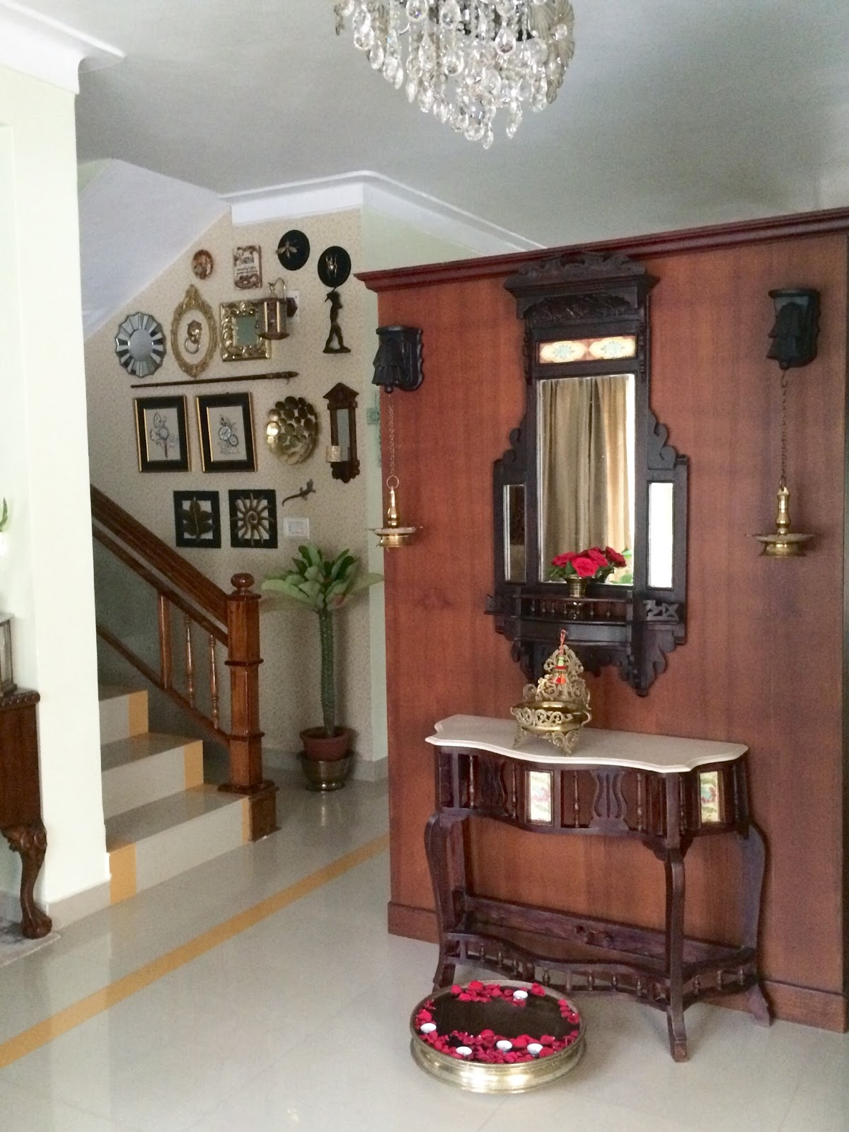 Tickled by inspirations house of the month bindu for Foyer design ideas india