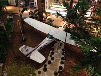 """Exposição """"Aeroclube Uberlândia Shopping"""" é prorrogada - Não Perde Não 3babf5274d"""