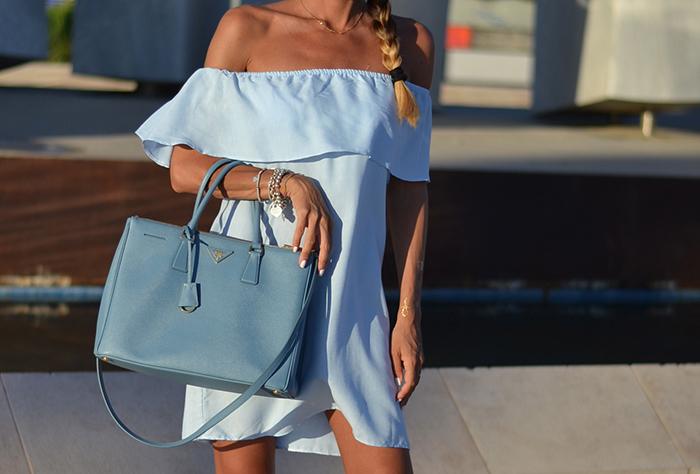 outfit toni azzurro