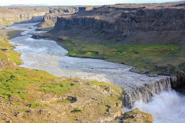 Hafragilsfoss desde lo alto del cañón