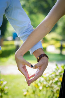 10 Tips to Build Strong Relationship in Hindi