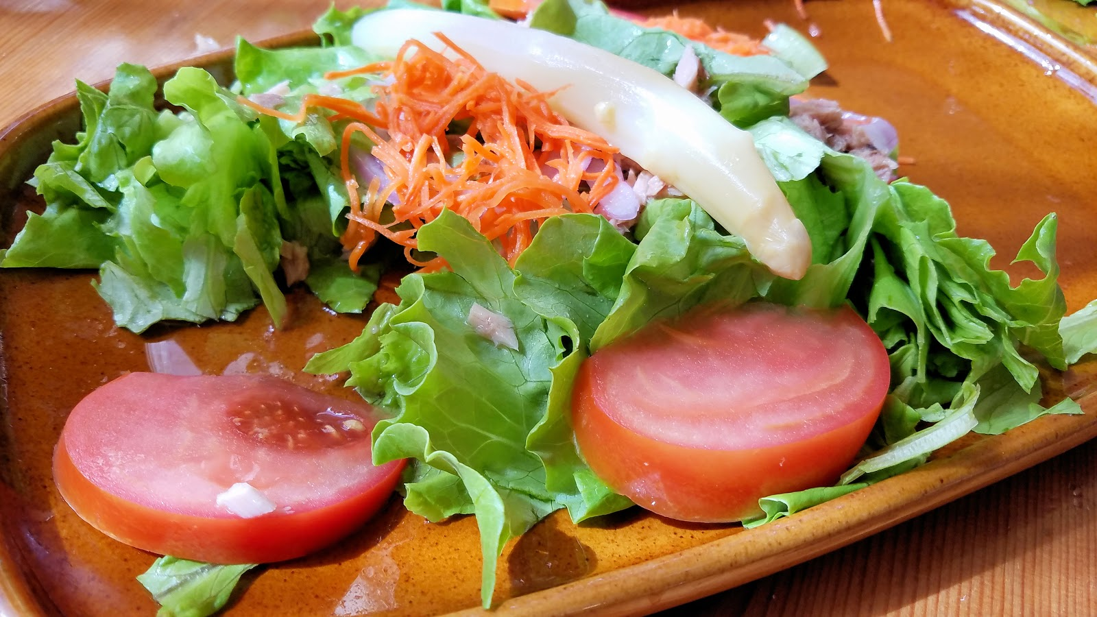 A fresh salad is always a delicious way to begin each meal.