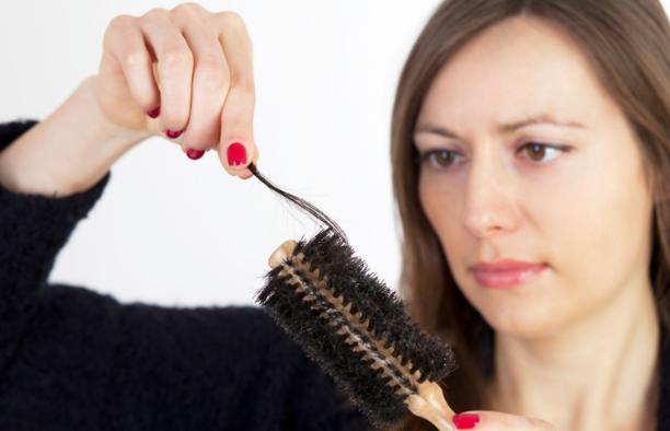 बालों का गिरना रोकें,Baalon Ka Girna Roken