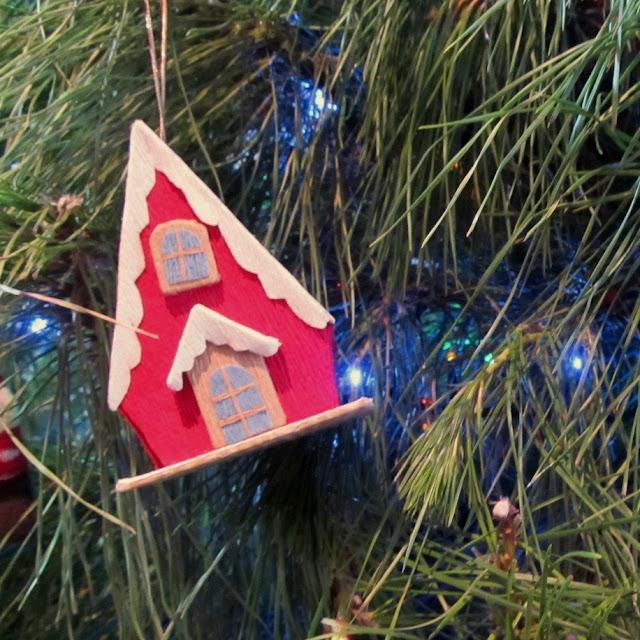 https://4.bp.blogspot.com/-EPkMfZ4DShs/WkfJysPb2sI/AAAAAAAAFmg/A6sK7v4nu_8WrlBvgAGYw5u_xpcfPv4LgCLcBGAs/s640/Christmashouseornament.jpg