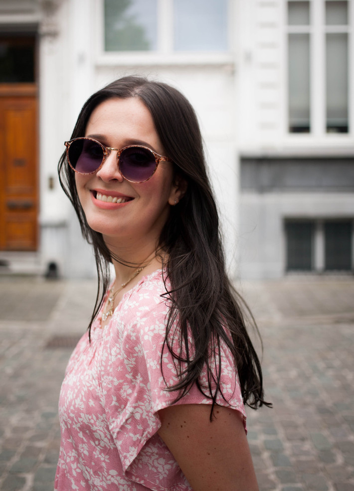 Polette sunglasses, floral top