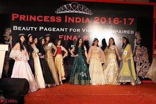 John Aham, Bhagyashree, Subhash Ghai and Amyra Dastur Attends Princess India 2016 17 Part2 033.JPG