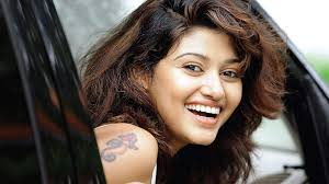 Oviya Family Husband Son Daughter Father Mother Age Height Biography Profile Wedding Photos