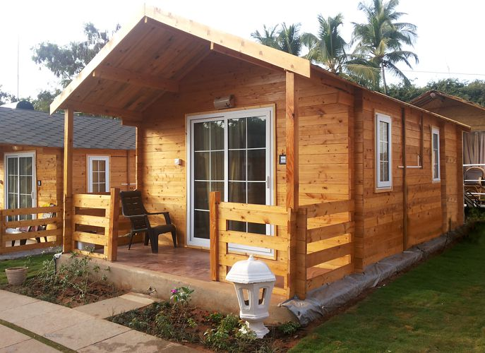It said that a house that is made of wood symbolizes a humble beginning. Here in the Philippines, the famous Bahay Kubo is one of these! No doubt wood is one of the durable material you can use in building your own home. It is readily available in the market and sometimes in your backyard! Aside from being durable housing material, wood houses can easily catch anyone attention because of its brown color and style can stands out. A house that is made of wood is undoubtedly refreshing. Living in a wooden house is like vacationing in your favorite place in the countryside. This kind of house is ideal, both in cold or sunny places as well as for young or old dwellers. If you think that wood houses are only good in rural areas, then you are wrong! There are many modern designs of wood houses that you can build in urban areas. The following are wooden house design you can take inspiration for your own refreshing wooden haven!