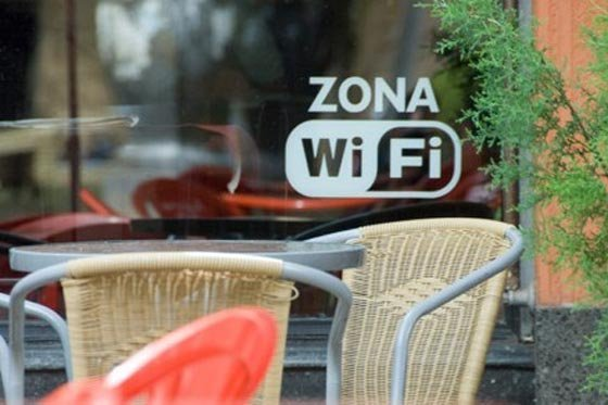 Tips for when you connect to public WiFi networks