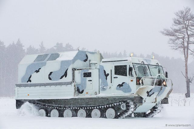 Kendaraan Amfibi TM-140 Terbaru Rusia Lakukan Uji Coba Ekstrim