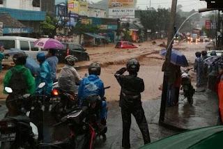 Kawasan Cicaheum Diterjang Banjir Bandang