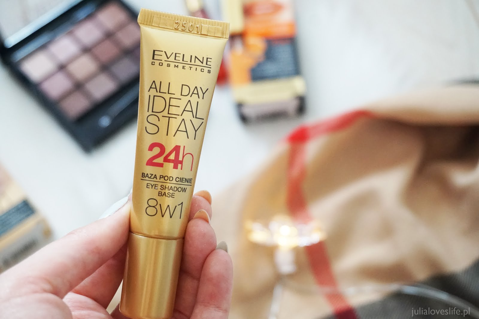 Eveline Cosmetics baza pod cienie