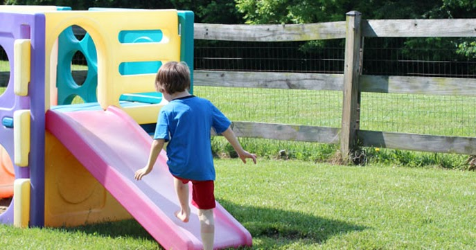35 Fun & Easy Things to Do in Your Backyard this Summer ...