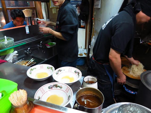 Hole in the wall Ramen restaurant. Kyushu Hakata Fukuoka. Tokyo Consult. TokyoConsult.