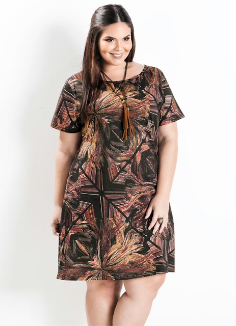 Vestido Evasê Manga Curta Abstrato Plus Size