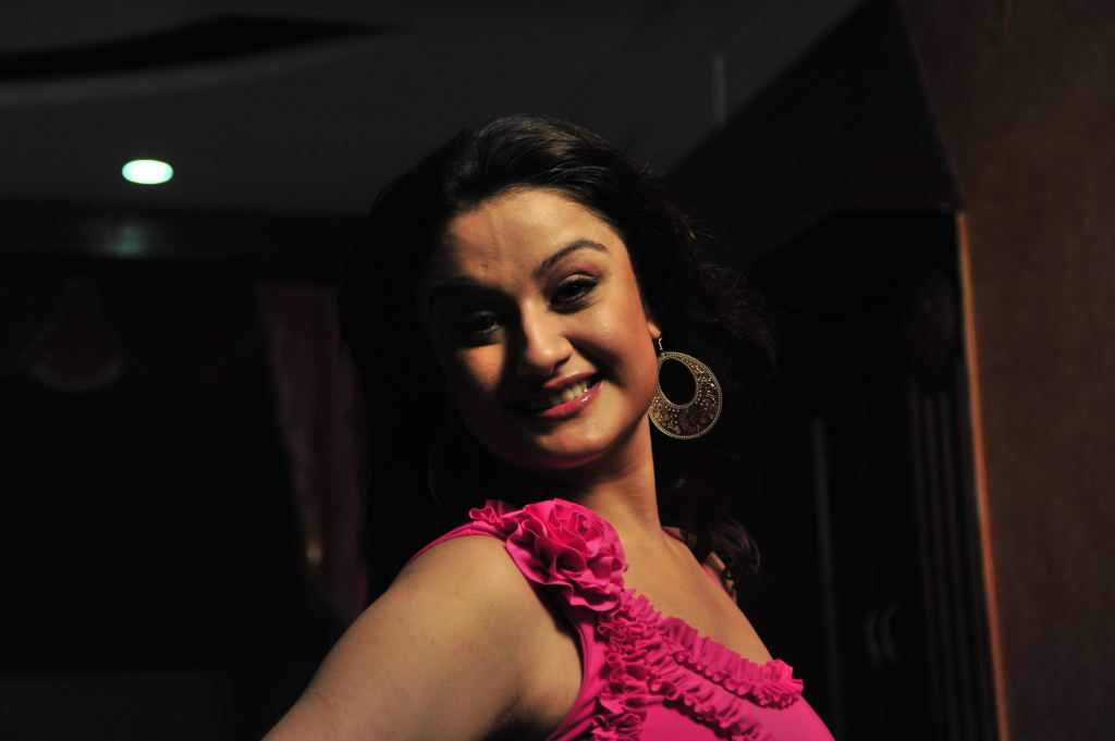 Sonia agarwal new hot photos at ano item song