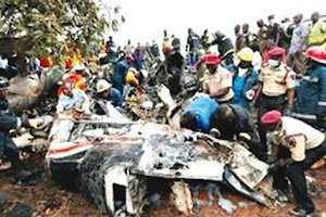 TRAGEDY! 14 Passengers Bus Collides With A Range Rover, 20 Occupants Burnt To Death
