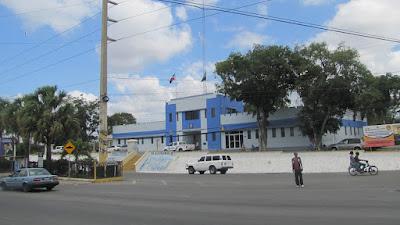 Image result for Dotación de la policía en Bani