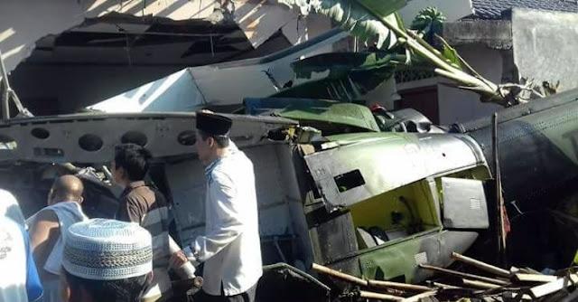 INNA LILLAHI, Ada Helikopter TNI Jatuh Timpa 2 Rumah Warga Di Sleman