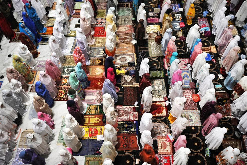 http://www.ramadaniyat.com/2016/06/ramadan-around-the-world.html