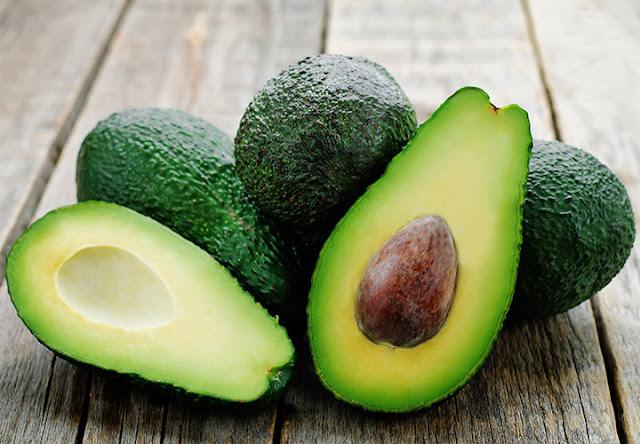 Os 12 melhores alimentos para uma pele saudável
