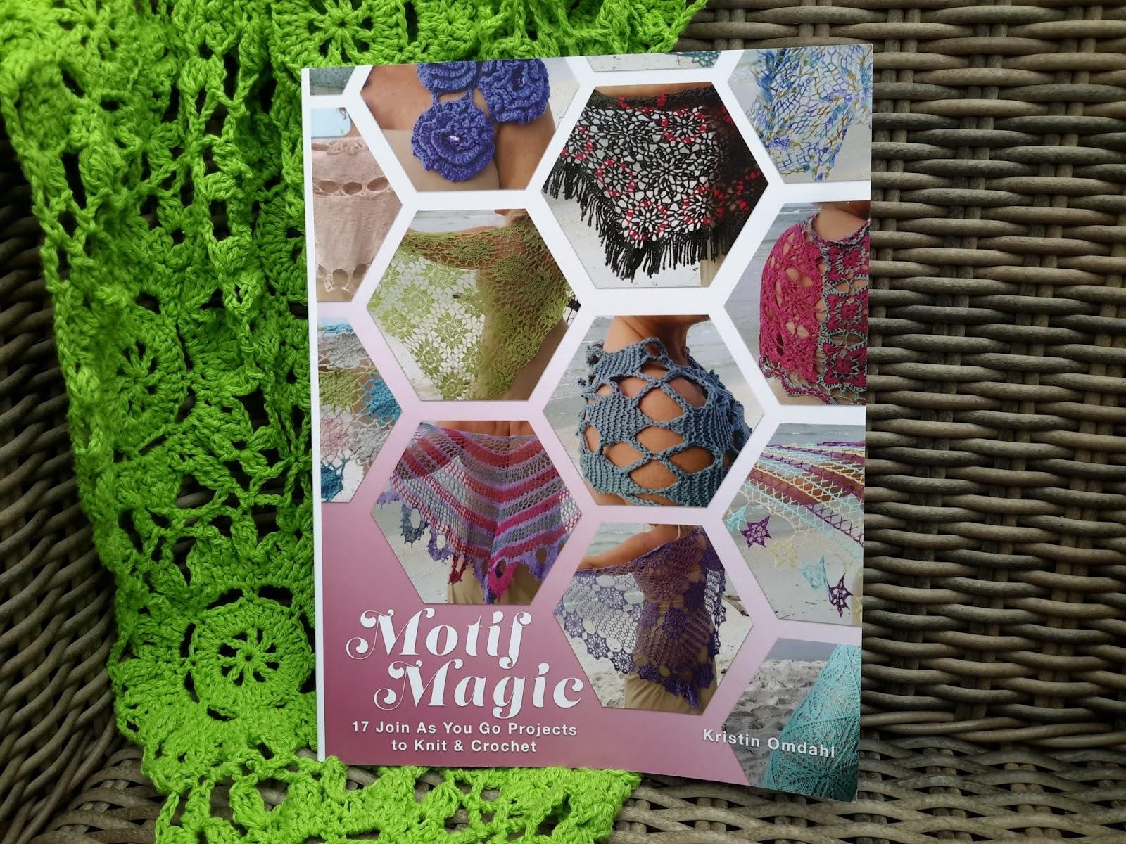 De Gelukkige Naaister Meri Crochet Shawl