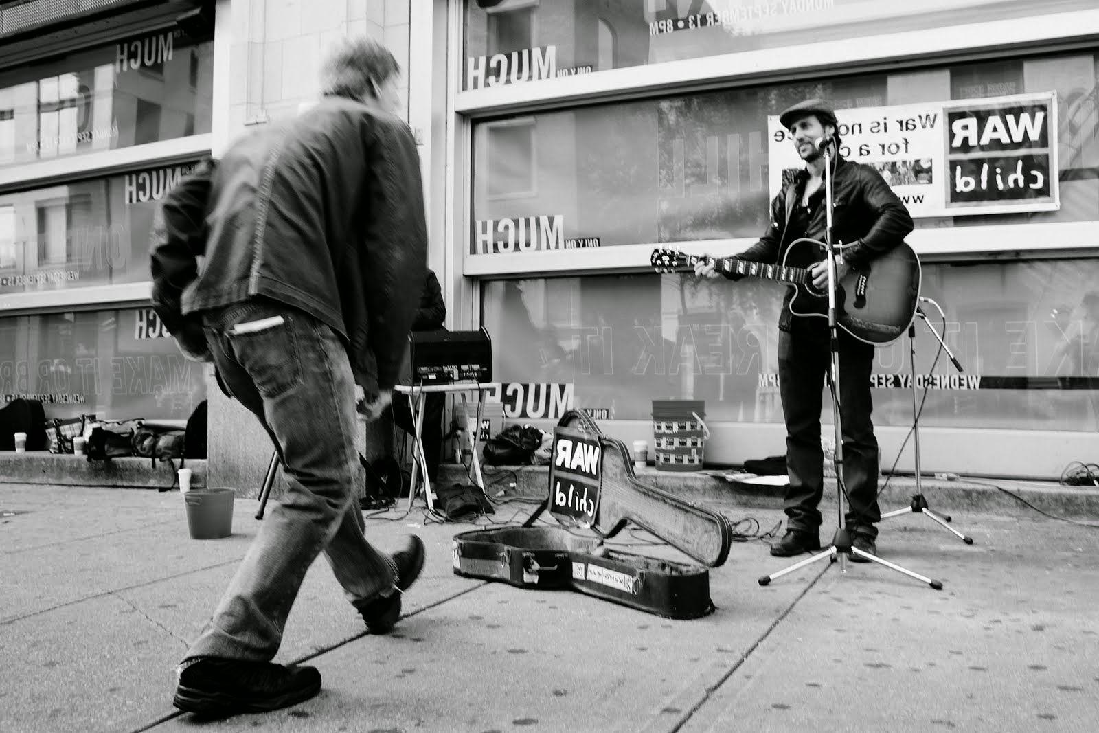 Algunos aspectos básicos para entender: ✅ ¿Cuánto vale mi banda?, ¿Cuánto cobrar por tocar? y ¿Cómo saber si mi banda tiene un valor en el mercado musical?