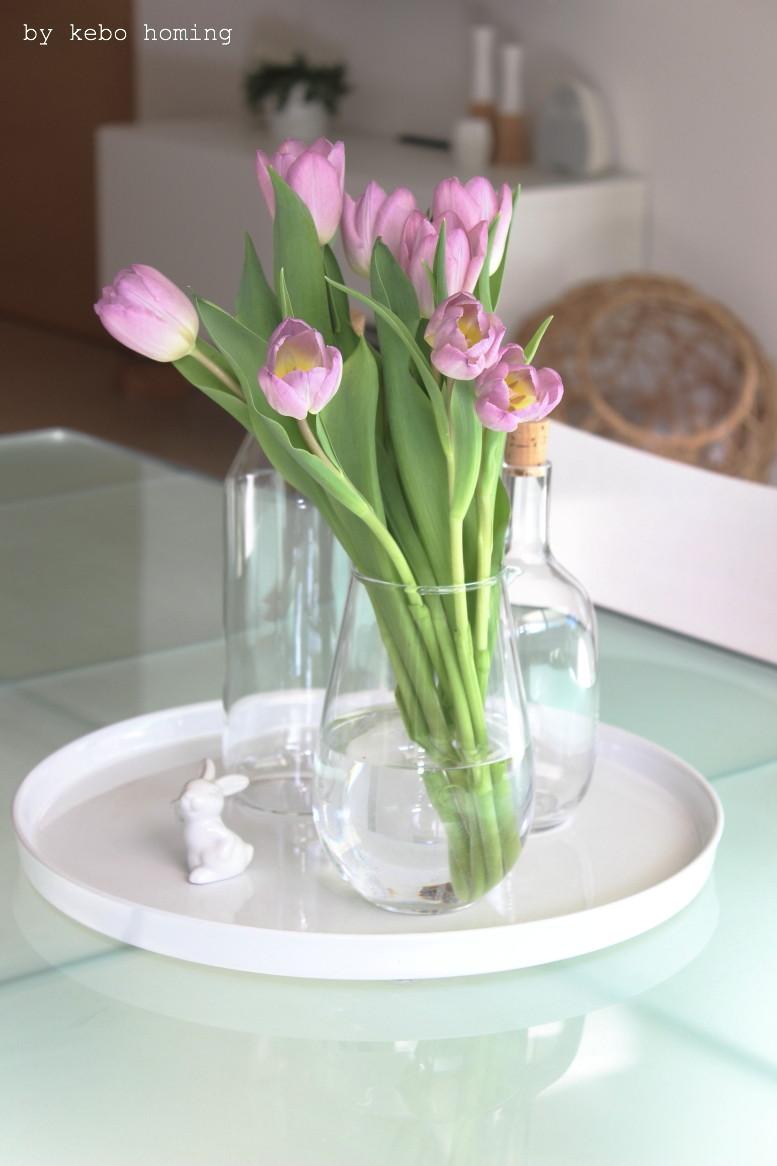 Rosa Tulpen und erste Osterdekoration beim Südtiroler Food- und Lifestyleblog kebo homing, flowerday, flowers, Blumen, tulips, whitelove, Ikea