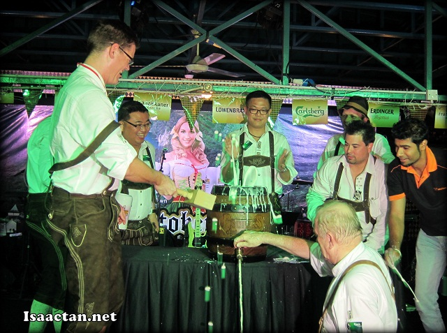 The official launching, by tapping the beer keg