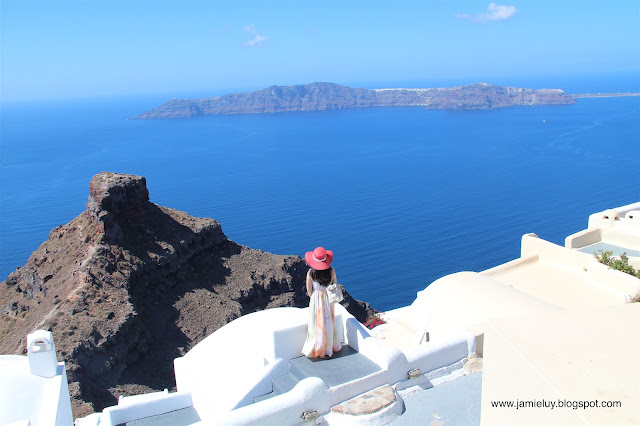 Places to Stay - Hotel Accommodation - Vallais Villa, Santorini - Skaros Rock