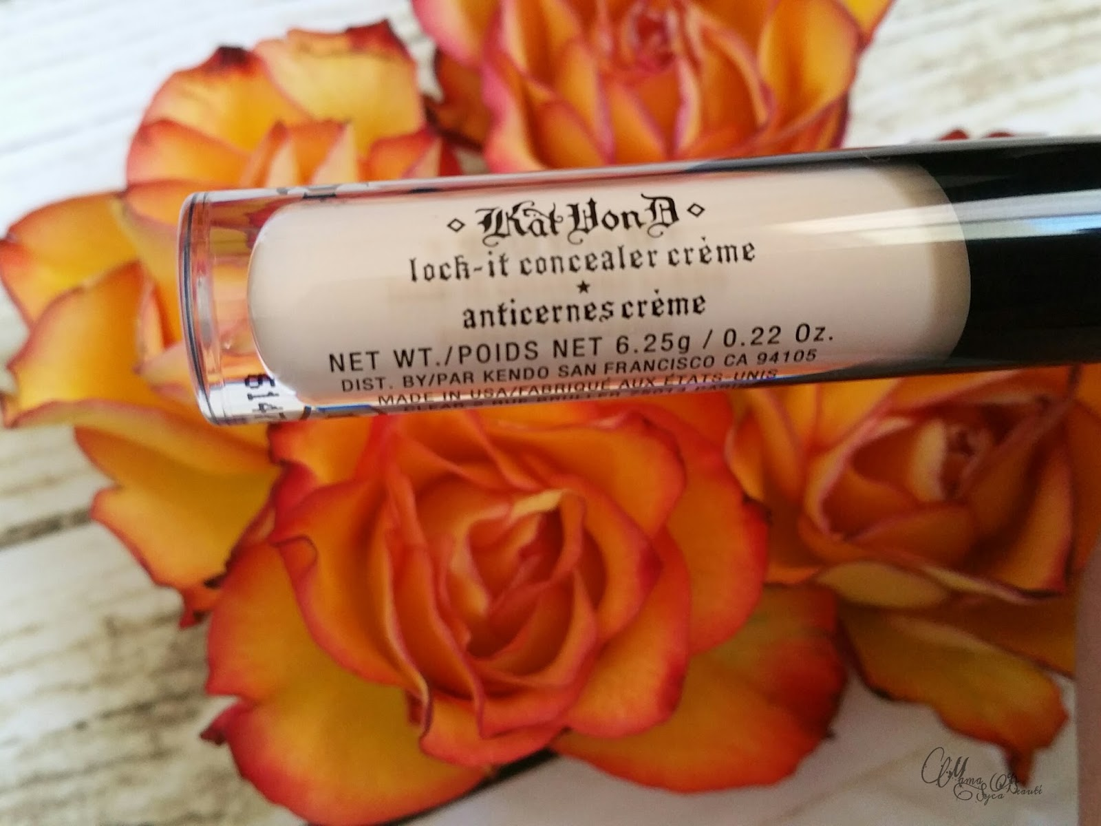 lock-it-concealer-kat-von-d-france-mama-syca-beaute