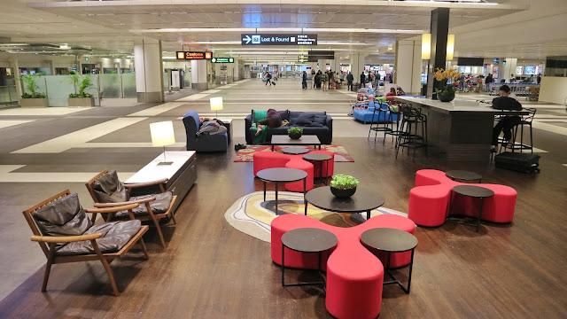 Tempat tidur semnetara di Changi Airport Terminal 4 riyardiarisman