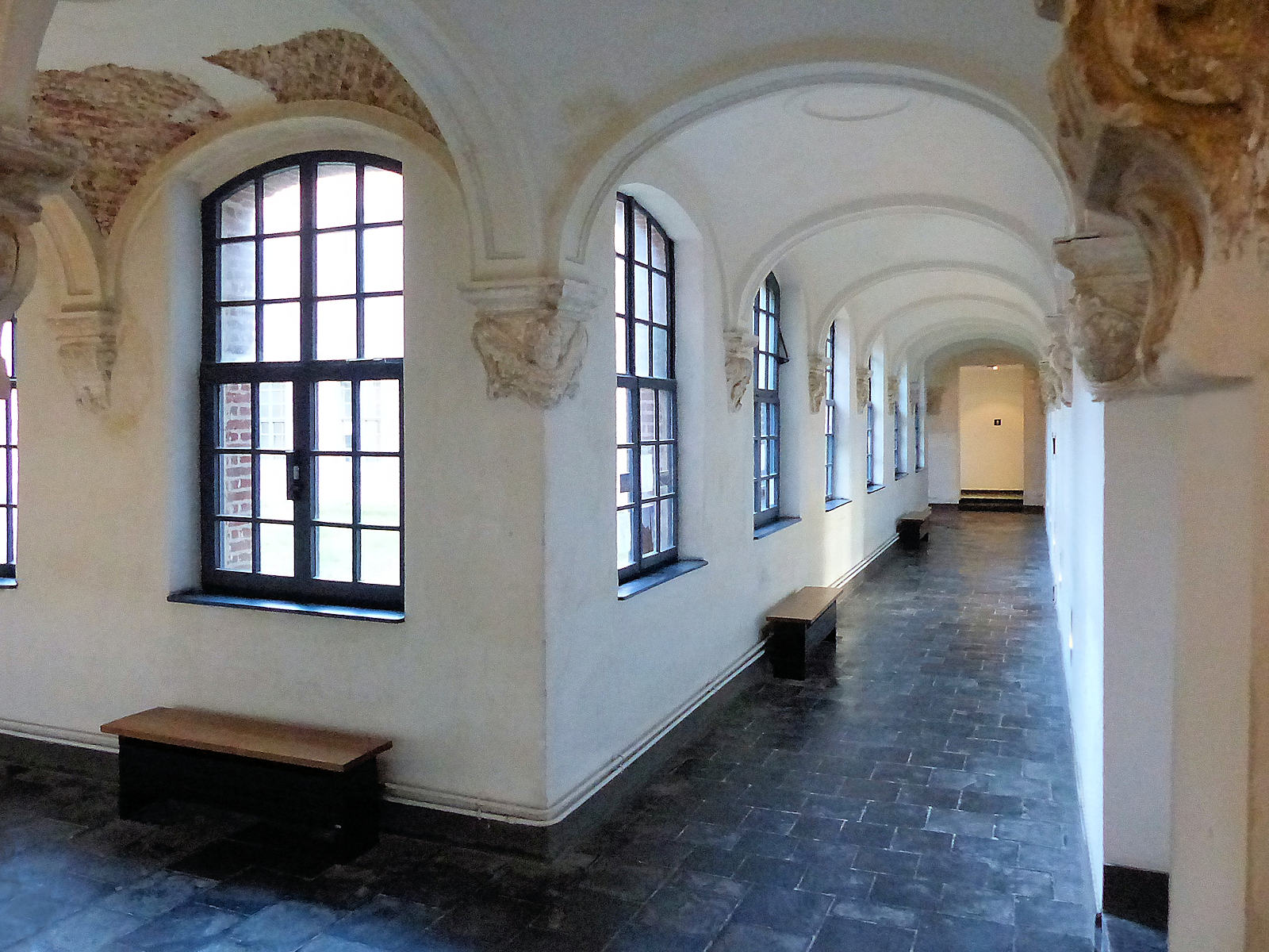 Galeries et culs-de-lampe