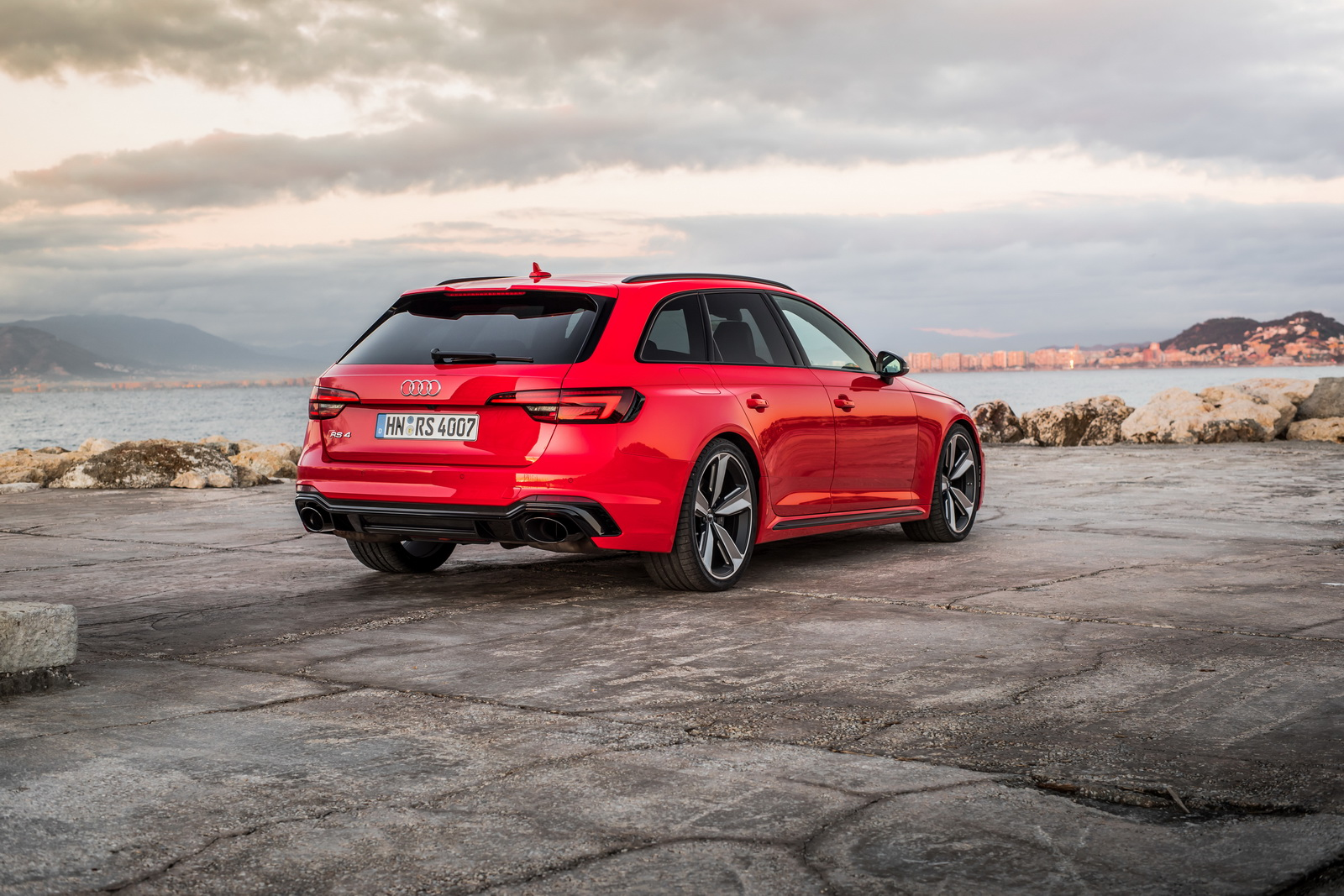 2018 Audi Rs4 Avant Detailed In New Gallery 66 Pics Carscoops