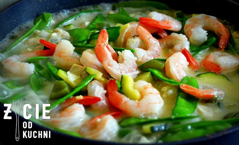 curry, tajskie curry, zielone curry,kanokwan, tajska kuchnia, pasta curry, decare, krewetki, groszek cukrowy, blog, zycie od kuchni