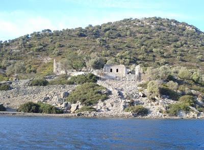 Η καταστροφή μιας εκκλησίας 800 ετών στην ΝΔ Τουρκία