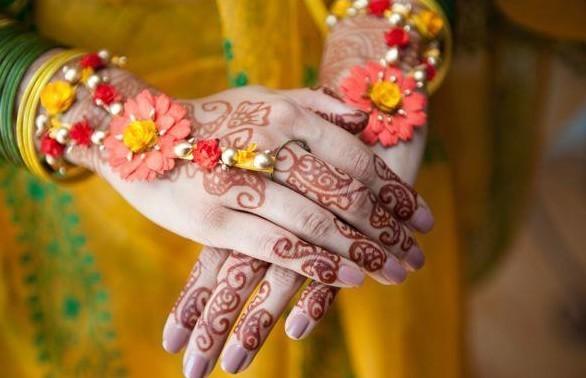 Mehndi Flower Valley : Top artificial mehndi flower jewellery designs
