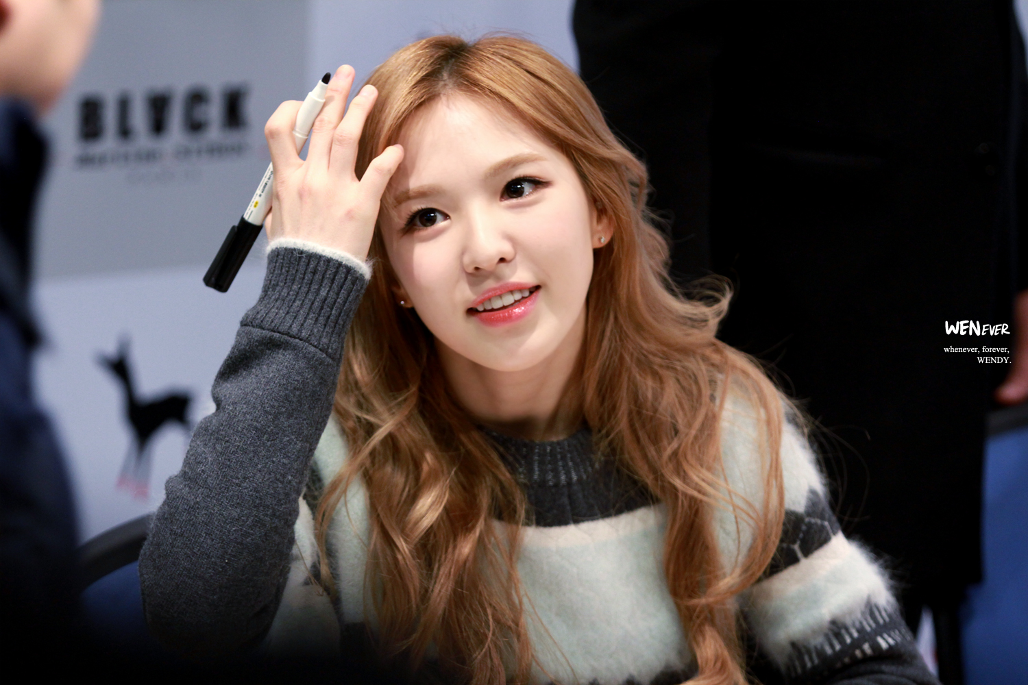 Wendy Rv Black Martin Sitbon Fansign on old music radio