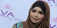 Lima Artis yang Melepas Hijab, Utang Jadi Salah Satu Alasan