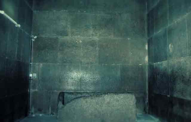 Upper chamber of the Great Pyramid atlantis.filminspector.com