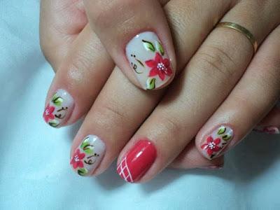 Uña decorada con flores hermosa