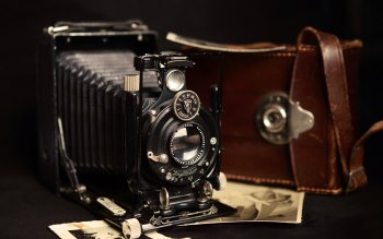 Wallpaper: Vintage Camera Equipment