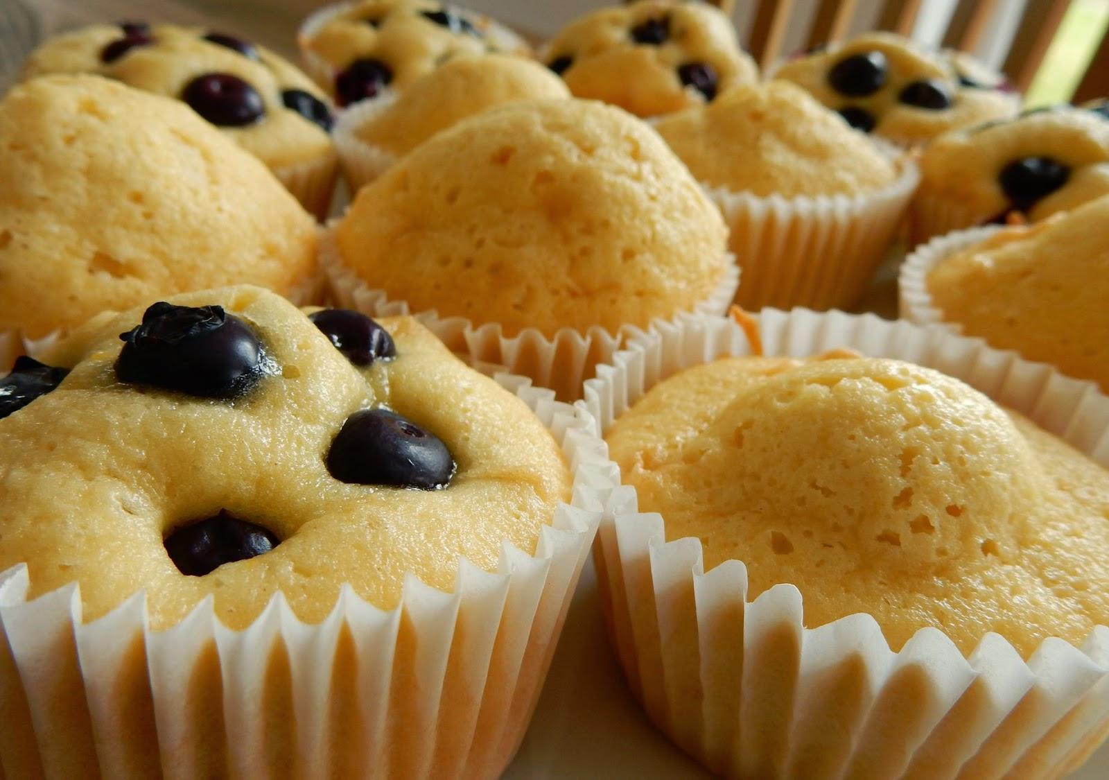 lisacuisine eierlik r muffins mit heidelbeeren. Black Bedroom Furniture Sets. Home Design Ideas