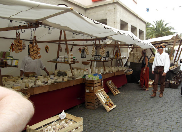 Tee- und Gewürzhändler beim Mittelaltermarkt in Bad Langensalza