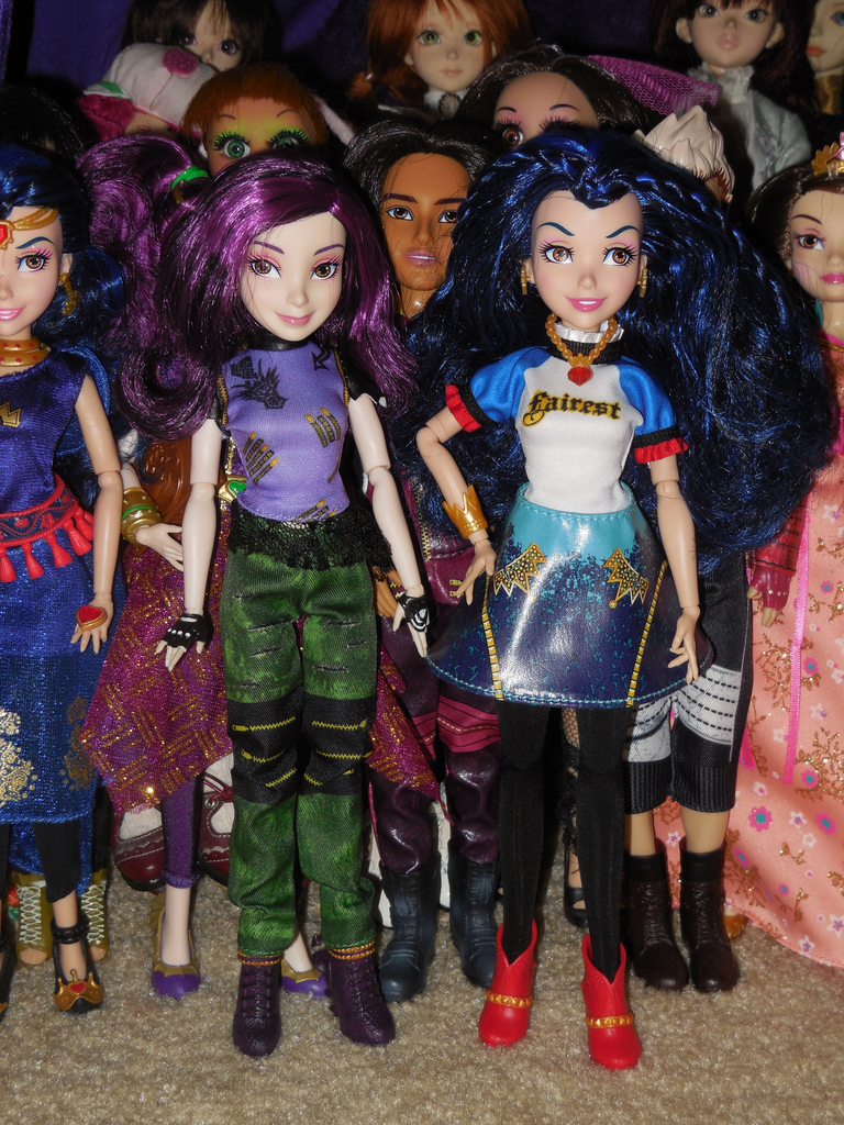 Veni Vidi Dolli: OVERVIEW: Disney's Descendants
