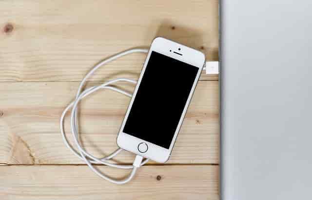 6 Penyebab baterai hp cepat habis dan cara mengatasinya