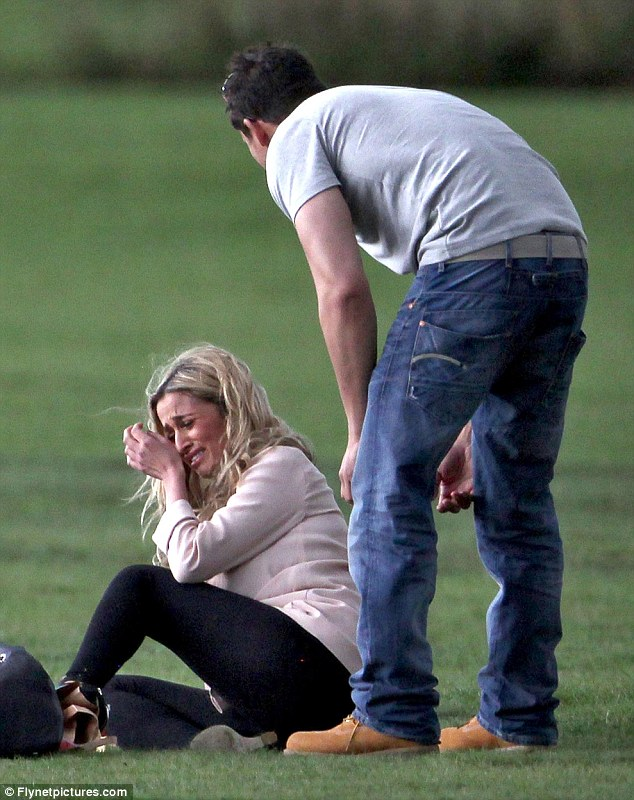 Picnic In London S Richmond Park Turned Into A Huge Tear Filled Argument For Chantelle Houghton And Her Crimewatch Presenter Boyfriend Rav Wilding
