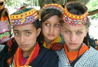 Αυτή είναι η «φυλή» όπου οι άνθρωποι ζούνε 120 χρόνια και οι γυναίκες κάνουν παιδιά στα 65 τους!