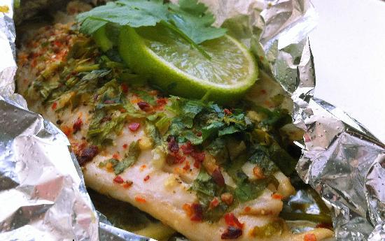 Receta pescados pescado empapelado for Como cocinar pescado