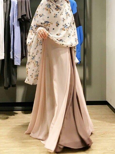 Model Jubah Syari Wanita Terbaru 2018